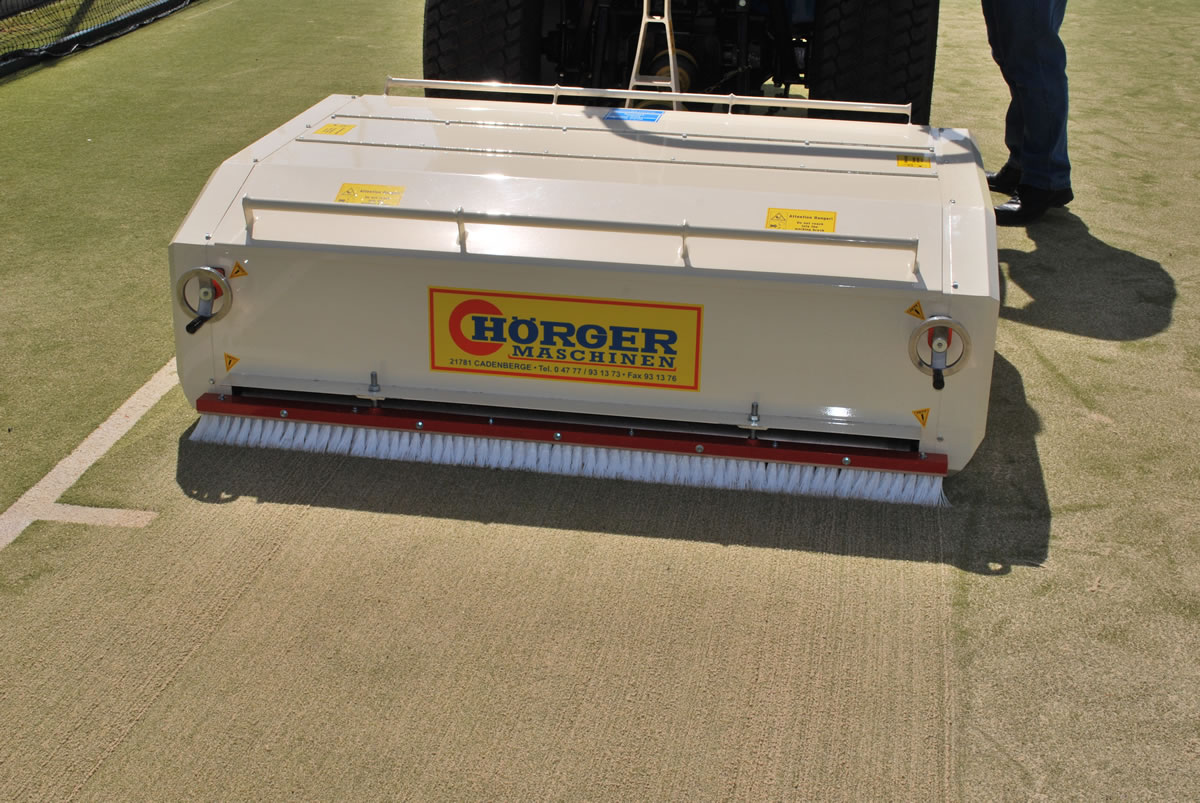 Artificial surface maintenance with Hoerger