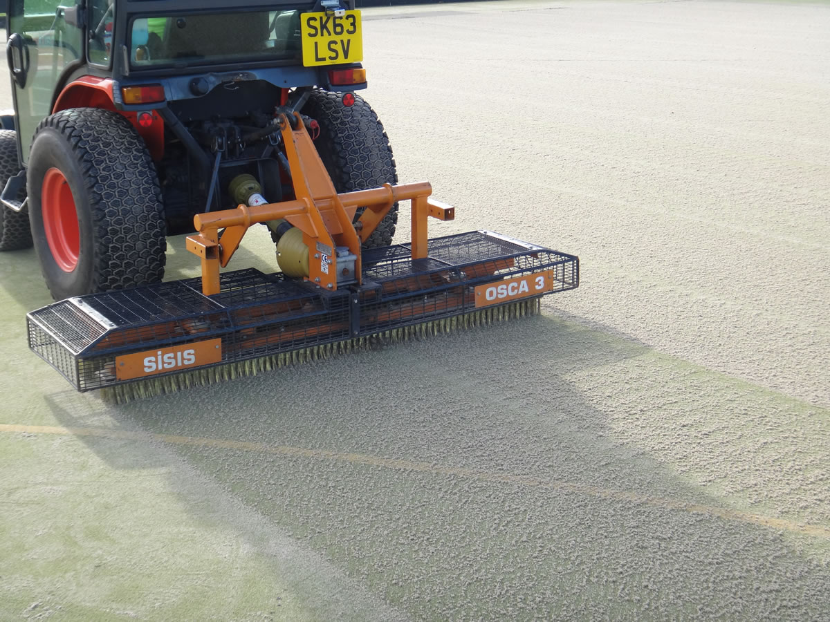 Artificial surface maintenance with Osca
